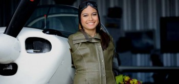 Woman Born With No Arms Becomes First Pilot to Fly Plane Using Only Feet